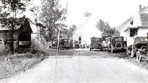 Hamlets_bridge-and-church-1926