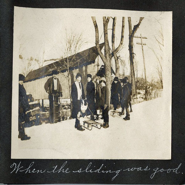 Bridgewater Corners school children 1918 cropped 590px