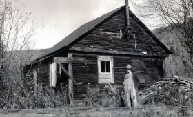 Bridgewater Hollow School Building